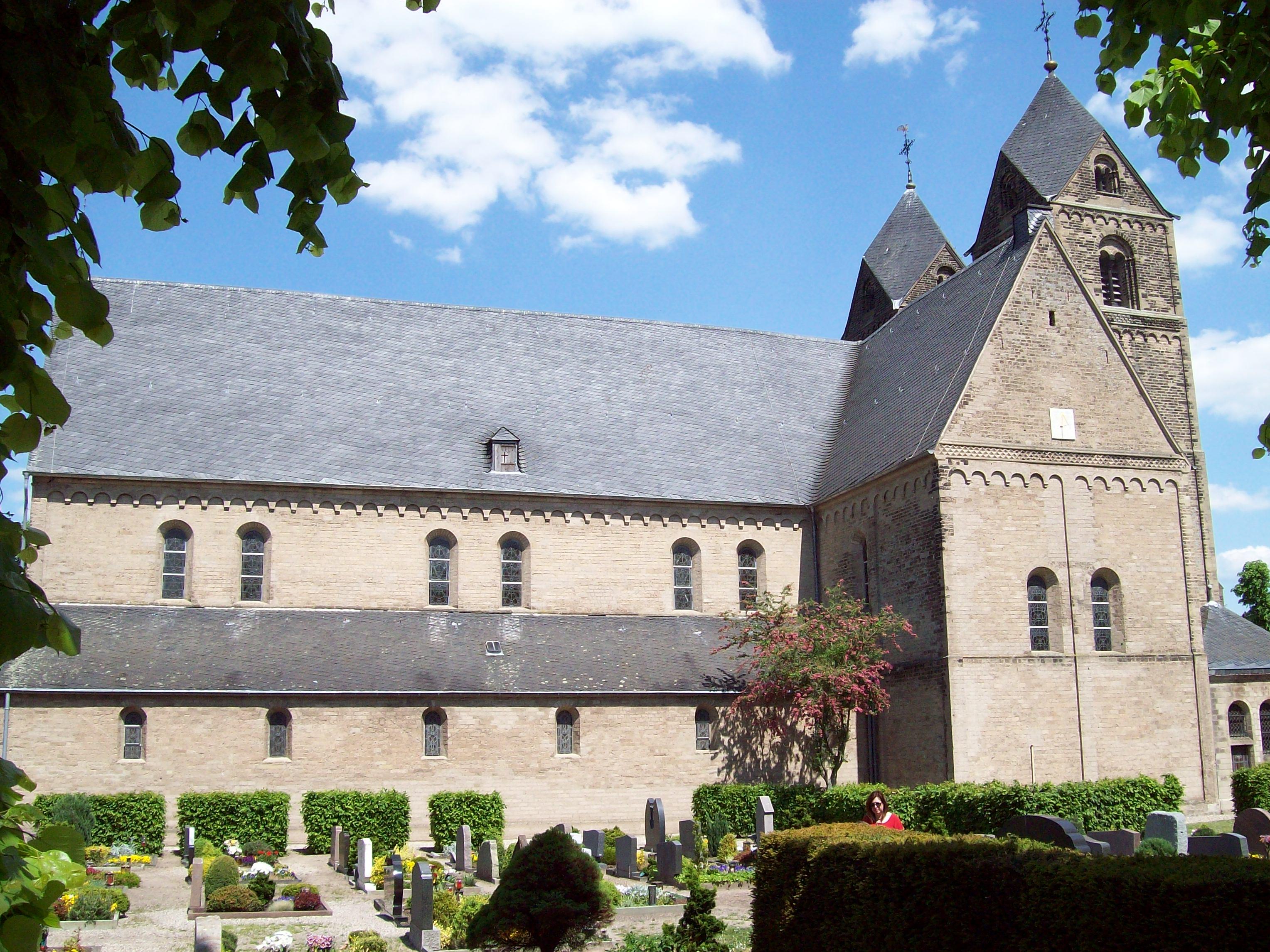 Kirche Sued West