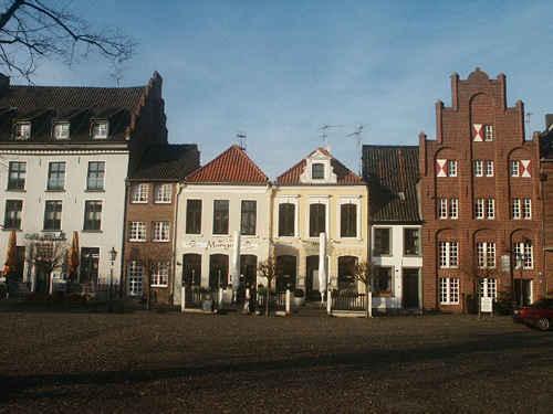 Stadtkern von Kalkar, denkmalgeschützte Häuser Markt 11 bis Markt 16 (v.l.n.r.) Foto: Pieter Delicaat
